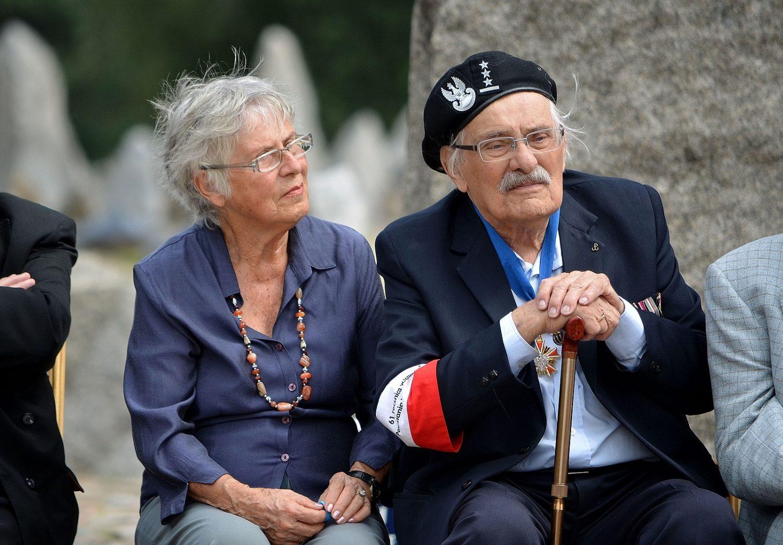 https://kinozdusza.pl/wp-content/uploads/2018/11/1600px-Ada_Willenberg_Samuel_Willenberg_70th_anniversary_of_Treblinka_revolt.jpg