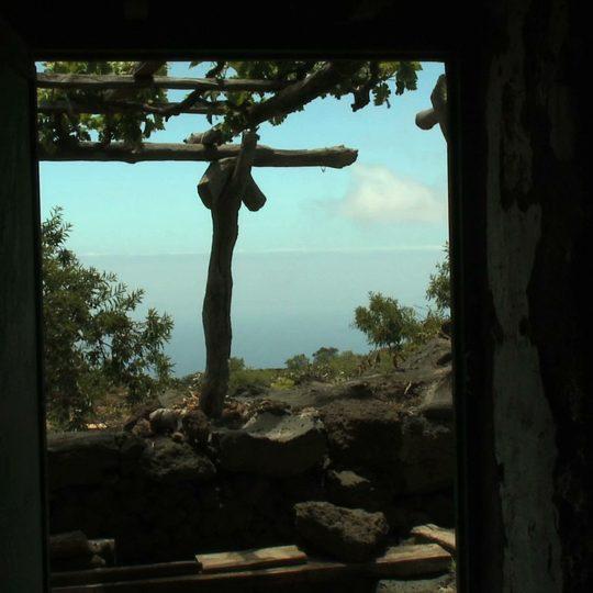 https://kinozdusza.pl/wp-content/uploads/2018/11/34_casa-puerta-abierta-540x540.jpeg